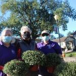 Woman's Club beautifies SCC's Klinke Green