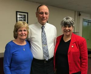 Charles Musser honored for long-time service as Oak Singers Director